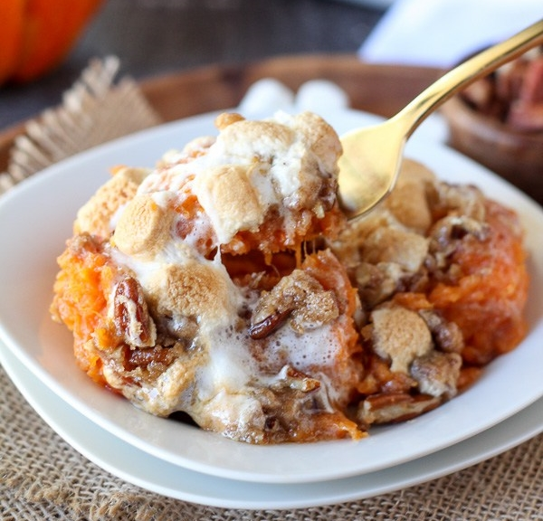 sweet-potato-casserole-with-marshmallow-pecan-streusel